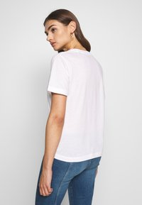 Pepe Jeans - BRIONI - Camiseta estampada - optic white - 2