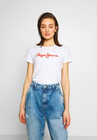Pepe Jeans - BAMBIE - Print T-shirt - optic white - 0