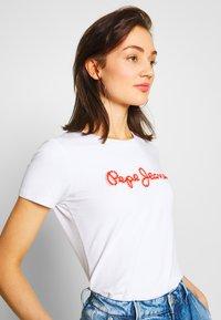 Pepe Jeans - BAMBIE - Print T-shirt - optic white - 3