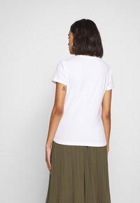 Pepe Jeans - BEATRICE - T-shirt z nadrukiem - optic white - 2