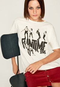 Pepe Jeans - Print T-shirt - off-white - 4