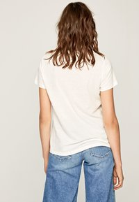 Pepe Jeans - CLOVER - T-Shirt print - off-white - 2