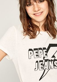 Pepe Jeans - CLOVER - T-Shirt print - off-white - 3