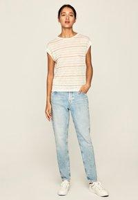 Pepe Jeans - LORENA - Print T-shirt - white - 1