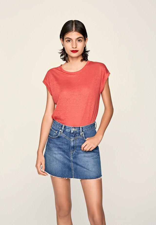 LORENA  - Camiseta básica - factory rot