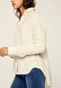 Pepe Jeans - BELLA - Button-down blouse - white - 3