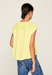 Pepe Jeans - ERIN - Blouse - yellow - 2