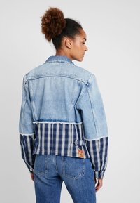 Pepe Jeans - JESS MIX - Kurtka jeansowa - light blue denim - 2