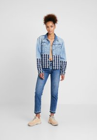 Pepe Jeans - JESS MIX - Kurtka jeansowa - light blue denim - 1