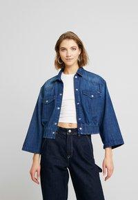 Pepe Jeans - CARLI - Kurtka jeansowa - denim - 0