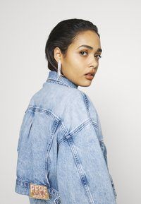 Pepe Jeans - DUA LIPA x PEPE JEANS - Denim jacket - moonwash-denim - 4