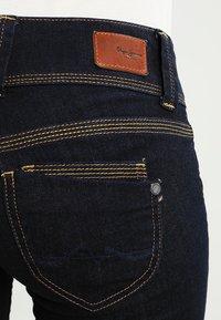 Pepe Jeans - VENUS - Džíny Straight Fit - dark denim - 4