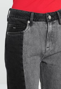 Pepe Jeans - PATCHY  MONOTONE - Relaxed fit jeans - denim - 3