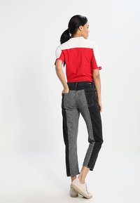 Pepe Jeans - PATCHY  MONOTONE - Relaxed fit jeans - denim - 2