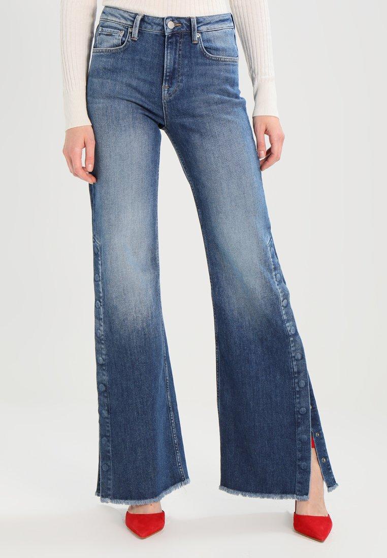 Pepe Jeans - MAXA - Flared Jeans - stone- blue