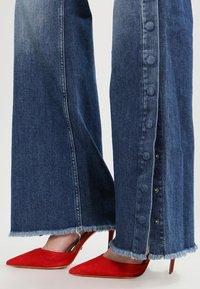 Pepe Jeans - MAXA - Flared Jeans - stone- blue - 6