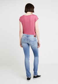 Pepe Jeans - LADIES EDITION PANT - Jeans slim fit - destroyed denim - 2