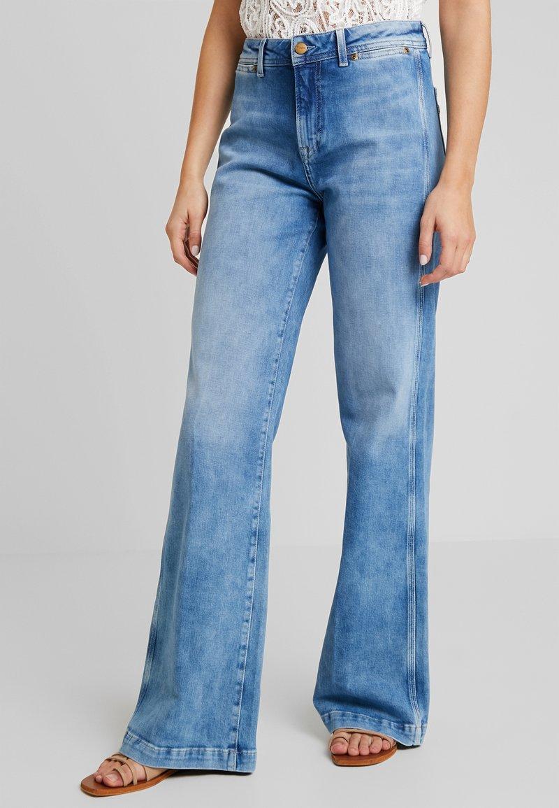 Pepe Jeans - MARIA - Flared Jeans - denim archive medium bright blue