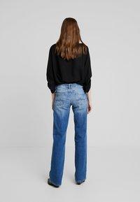 Pepe Jeans - AUBREY - Flared Jeans - stone blue denim - 2