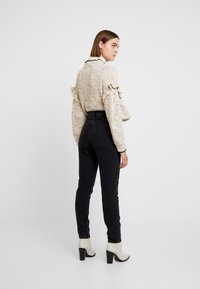 Pepe Jeans - ALLEN - Relaxed fit jeans - black denim - 2