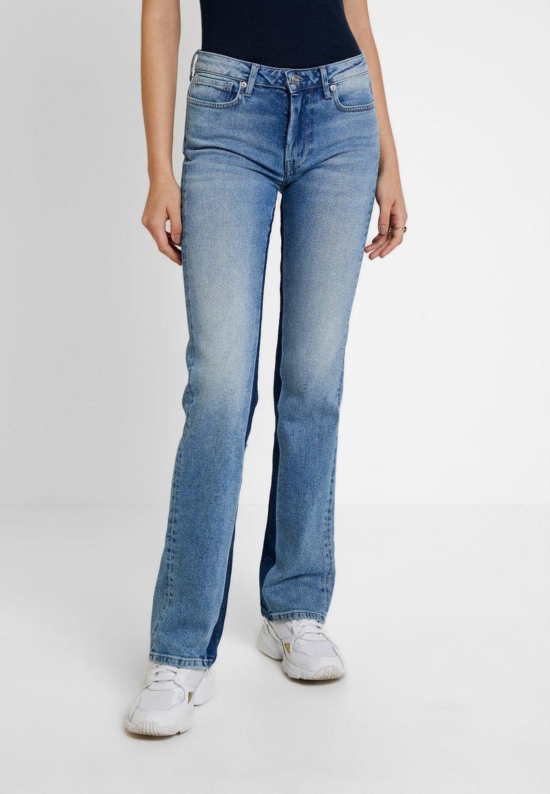 Pepe Jeans - AUBREY CONTRAST - Flared Jeans - stone blue denim
