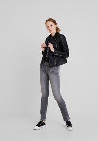 Pepe Jeans - KATHA - Džíny Slim Fit - grey - 1