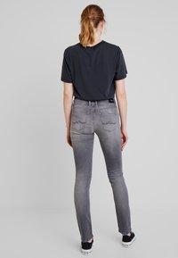 Pepe Jeans - KATHA - Džíny Slim Fit - grey - 2