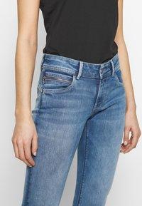 Pepe Jeans - KATHA - Vaqueros slim fit - blue denim - 5