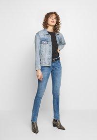 Pepe Jeans - KATHA - Vaqueros slim fit - blue denim - 1