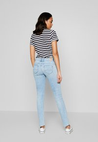Pepe Jeans - KATHA - Jeansy Slim Fit - light-blue denim - 2