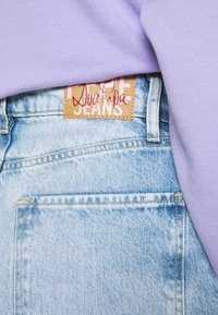 Pepe Jeans - DUA LIPA x PEPE JEANS - Džíny Straight Fit - light blue denim - 4