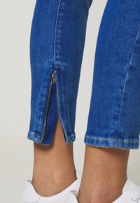 Pepe Jeans - Jeans Skinny - light-blue denim - 6