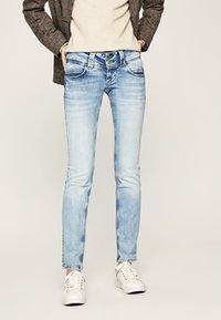 Pepe Jeans - VENUS - Slim fit jeans - bleached denim - 0
