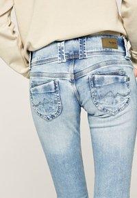 Pepe Jeans - VENUS - Slim fit jeans - bleached denim - 3