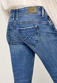 Pepe Jeans - Slim fit jeans - blue - 4