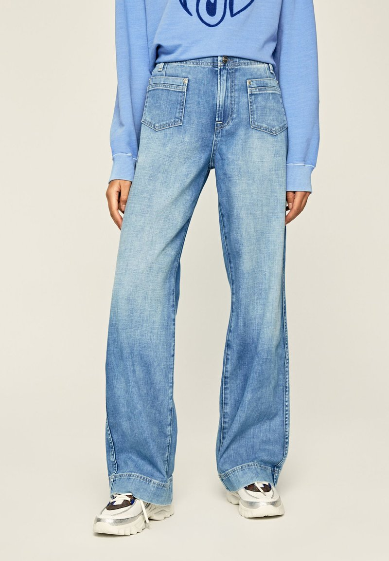 Pepe Jeans - DEBBIE - Flared Jeans - blue denim