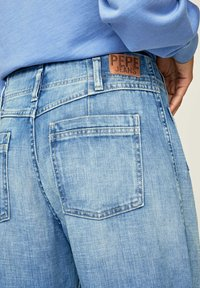Pepe Jeans - DEBBIE - Flared Jeans - blue denim - 4