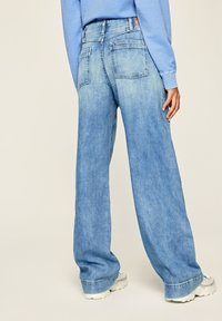 Pepe Jeans - DEBBIE - Flared Jeans - blue denim - 2