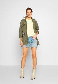 Pepe Jeans - THRASHER RAINBOW - Denim shorts - denim - 1