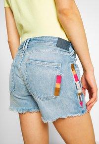 Pepe Jeans - THRASHER RAINBOW - Denim shorts - denim - 5