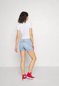 Pepe Jeans - Denim shorts - light blue denim - 2