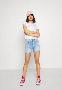 Pepe Jeans - Denim shorts - light blue denim - 1