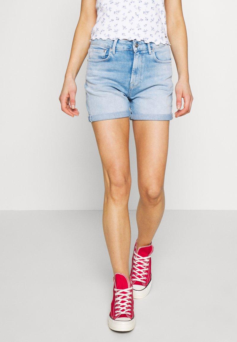 Pepe Jeans - Denim shorts - light blue denim