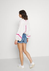 Pepe Jeans - SIOUXIE - Shorts vaqueros - blue denim - 2