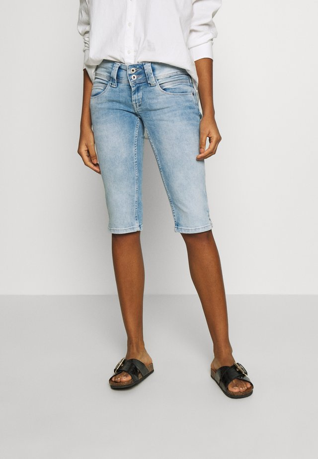 VENUS CROP - Shorts vaqueros - denim