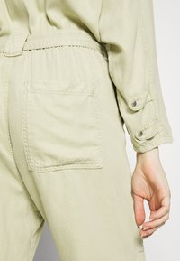 Pepe Jeans - COOPER JUMPSUIT - Overal - khaki green - 6