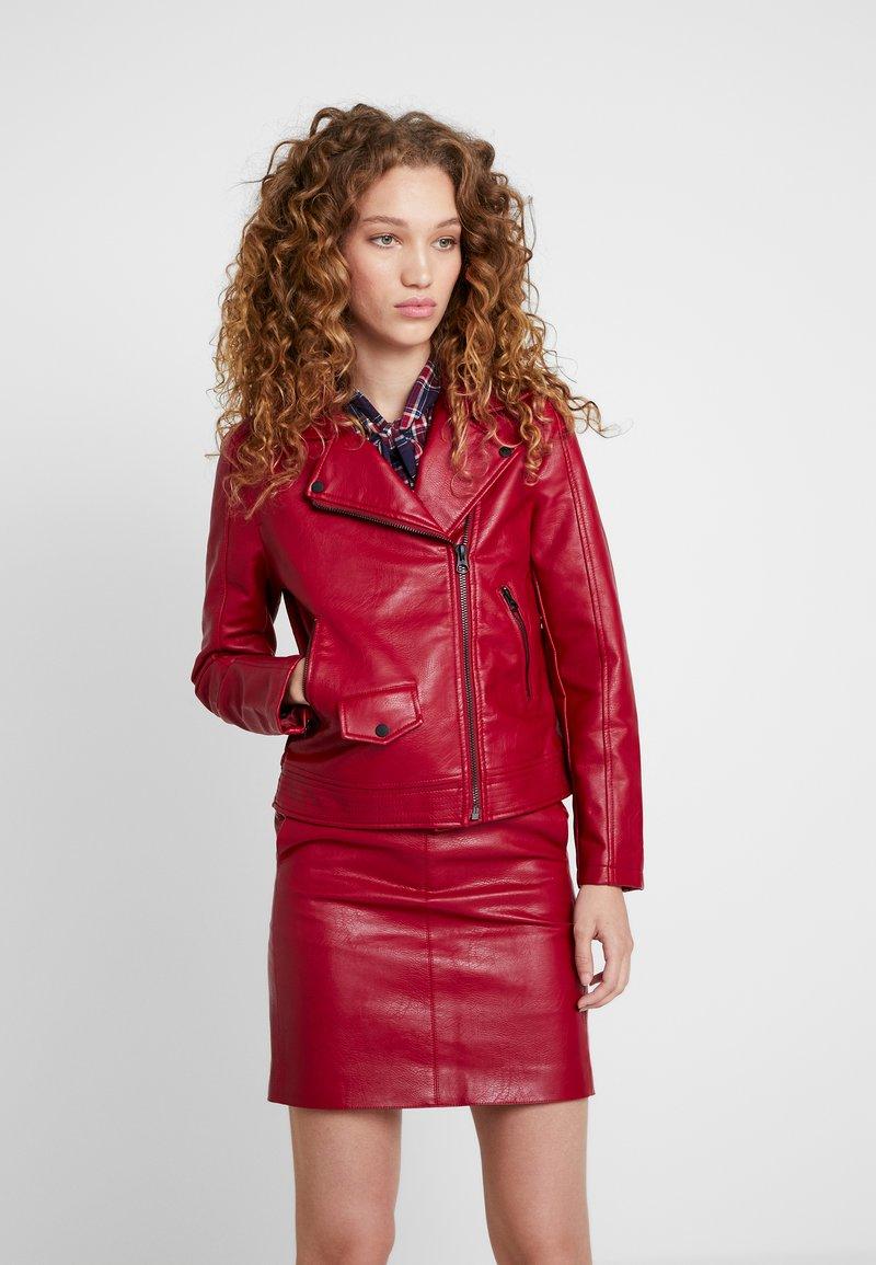 Pepe Jeans - POSSEY - Faux leather jacket - garnet