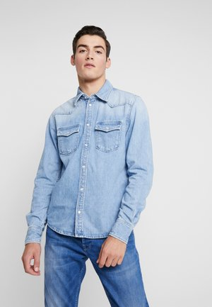 CARSON - Overhemd - light-blue denim