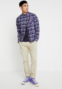 Pepe Jeans - SLOANE - Pantalones chinos - beige - 1