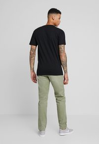 Pepe Jeans - CALLEN  - Chinot - army - 2
